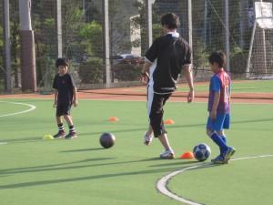 将来のサッカー選手へ、パスを繋ぐ!